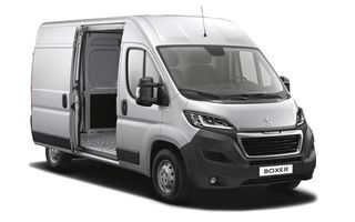Peugeot Boxer facelift: dotări şi forme noi pentru utilitara franţuzească