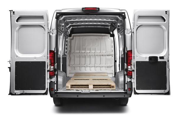 Peugeot Boxer facelift: dotări şi forme noi pentru utilitara franţuzească - Poza 6