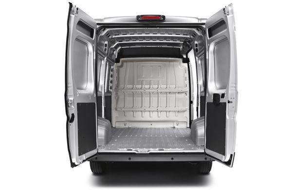 Peugeot Boxer facelift: dotări şi forme noi pentru utilitara franţuzească - Poza 5