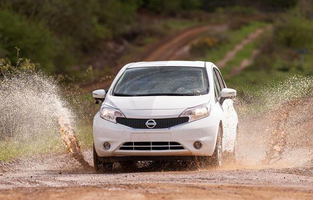 Nissan testează vopseaua care nu permite murdărirea maşinii - Poza 10