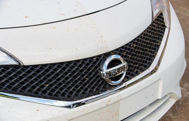 Nissan testează vopseaua care nu permite murdărirea maşinii - Poza 12