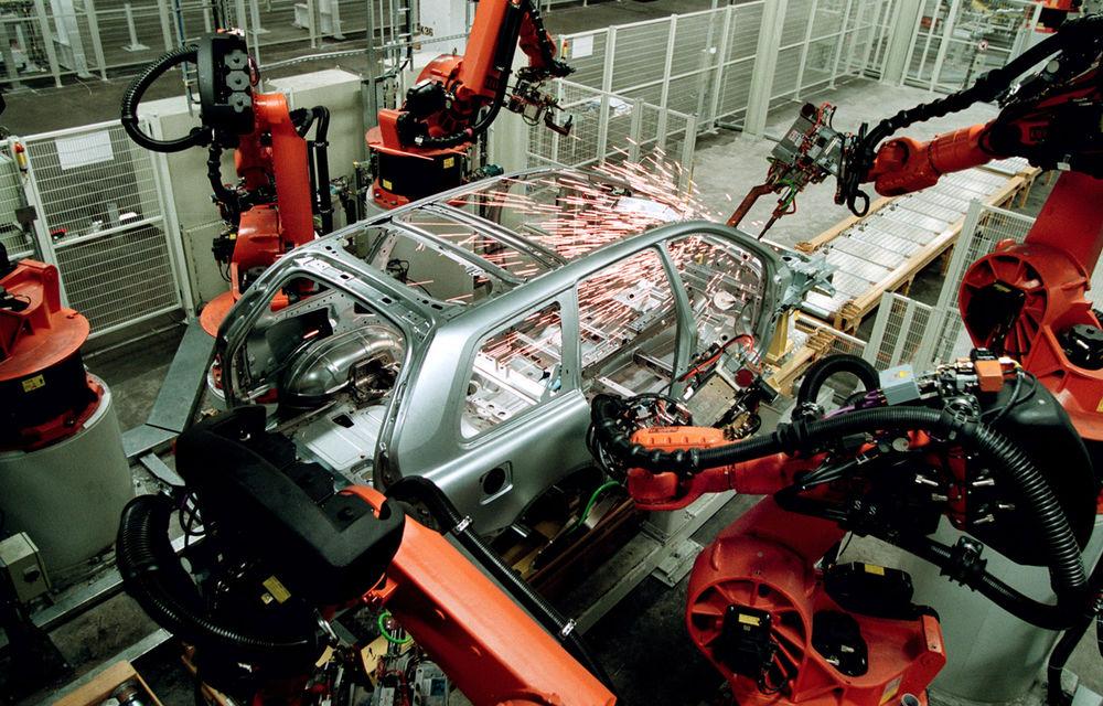 Prima generaţie Volvo XC90 a ieşit astăzi din producţie după 12 ani. Suedezii se pregătesc de al doilea XC90 - Poza 7