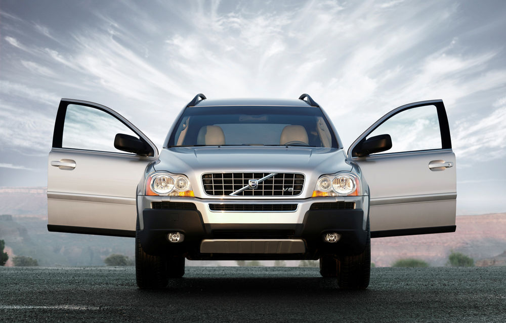 Prima generaţie Volvo XC90 a ieşit astăzi din producţie după 12 ani. Suedezii se pregătesc de al doilea XC90 - Poza 4
