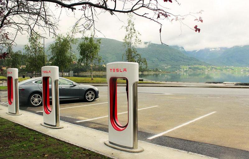 Tesla Motors a deschis a 50-a staţie proprie de încărcare în Europa - Poza 1