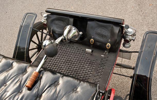 POVEŞTI AUTO: Oldsmobile Curved Dash Runabout - primul automobil de serie din lume - Poza 10