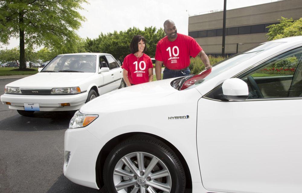 Tombolă la o fabrică Toyota SUA: Camry-ul cu numărul 10.000.000, făcut cadou unui angajat - Poza 9