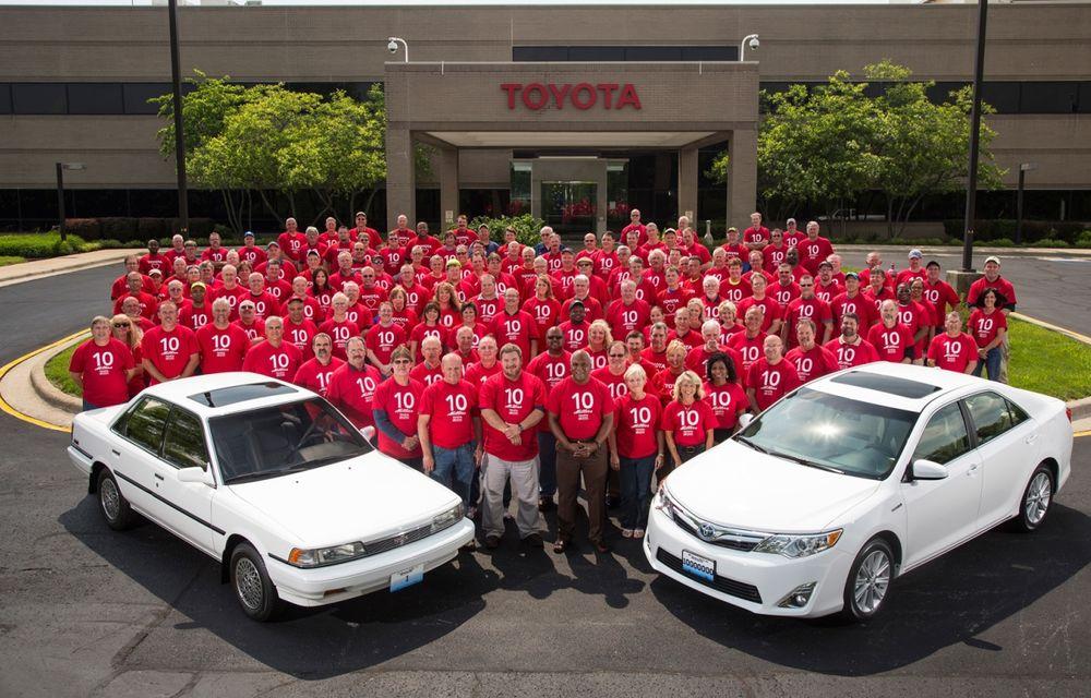 Tombolă la o fabrică Toyota SUA: Camry-ul cu numărul 10.000.000, făcut cadou unui angajat - Poza 7