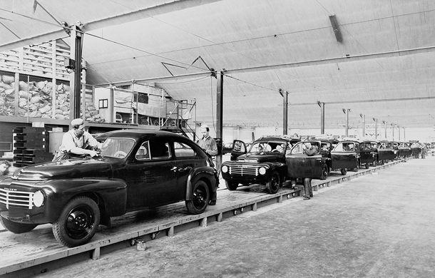 POVEŞTI AUTO: 70 de ani de la primul hit Volvo: PV444 - Poza 2