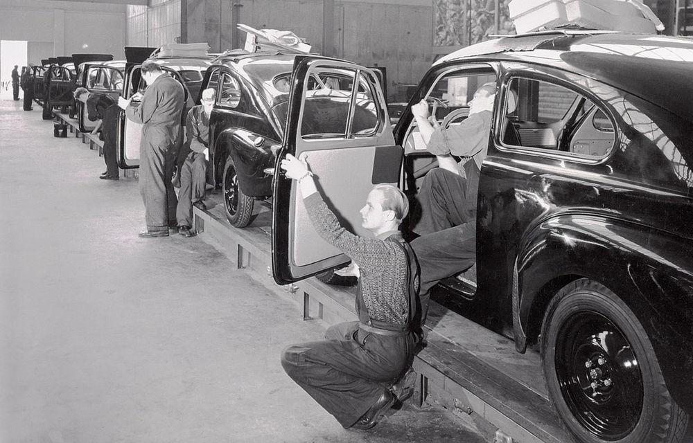 POVEŞTI AUTO: 70 de ani de la primul hit Volvo: PV444 - Poza 3