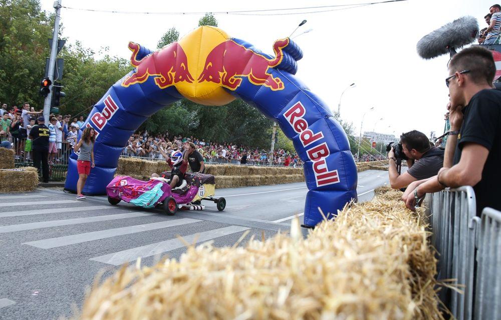 Red Bull Soapbox Race 2014: 51 de echipaje trăznite au luat startul în cursa automobilelor propulsate de gravitaţie - Poza 15