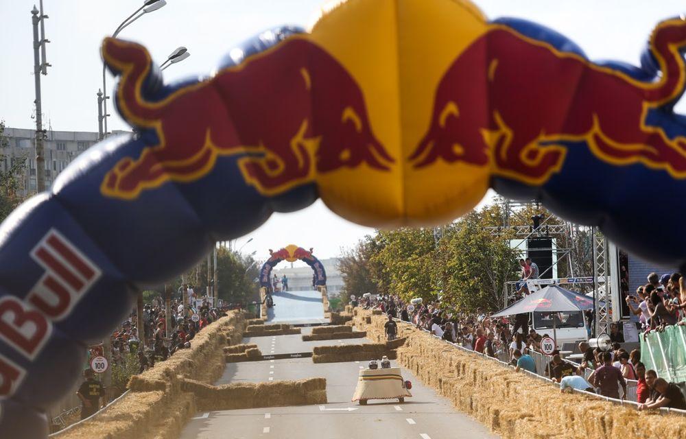 Red Bull Soapbox Race 2014: 51 de echipaje trăznite au luat startul în cursa automobilelor propulsate de gravitaţie - Poza 38