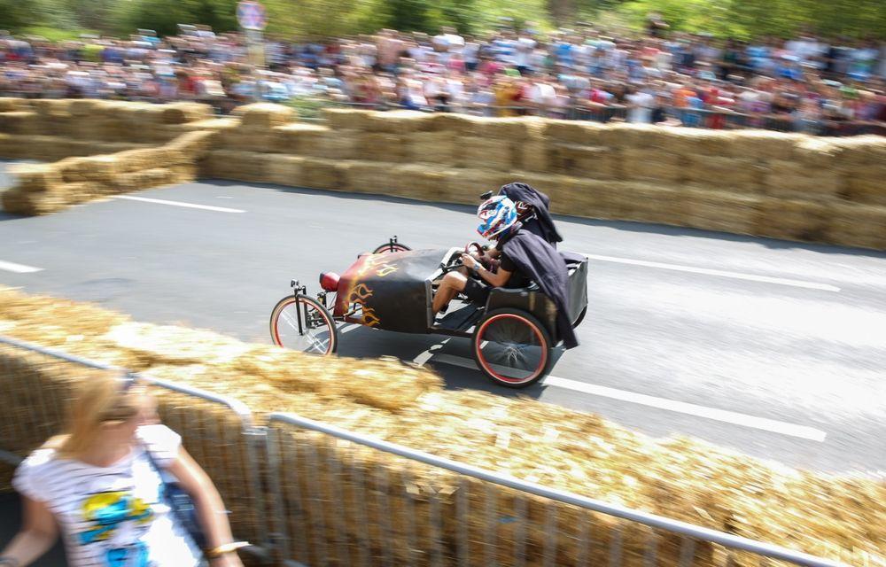 Red Bull Soapbox Race 2014: 51 de echipaje trăznite au luat startul în cursa automobilelor propulsate de gravitaţie - Poza 10