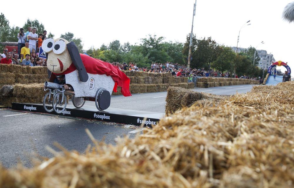 Red Bull Soapbox Race 2014: 51 de echipaje trăznite au luat startul în cursa automobilelor propulsate de gravitaţie - Poza 33