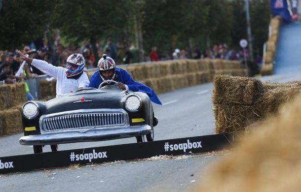 Red Bull Soapbox Race 2014: 51 de echipaje trăznite au luat startul în cursa automobilelor propulsate de gravitaţie - Poza 34