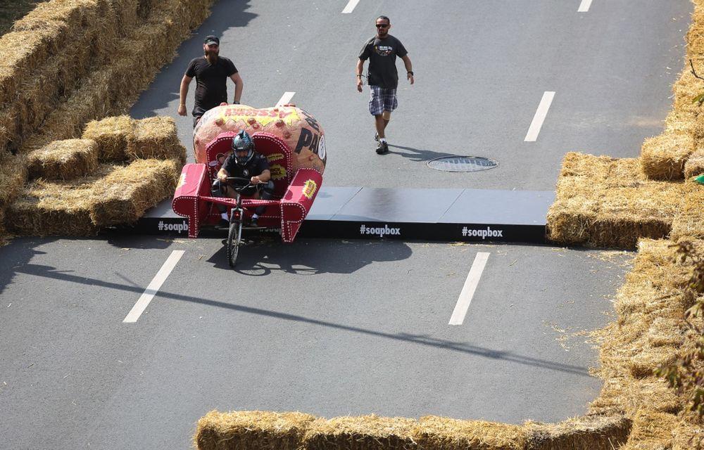 Red Bull Soapbox Race 2014: 51 de echipaje trăznite au luat startul în cursa automobilelor propulsate de gravitaţie - Poza 23