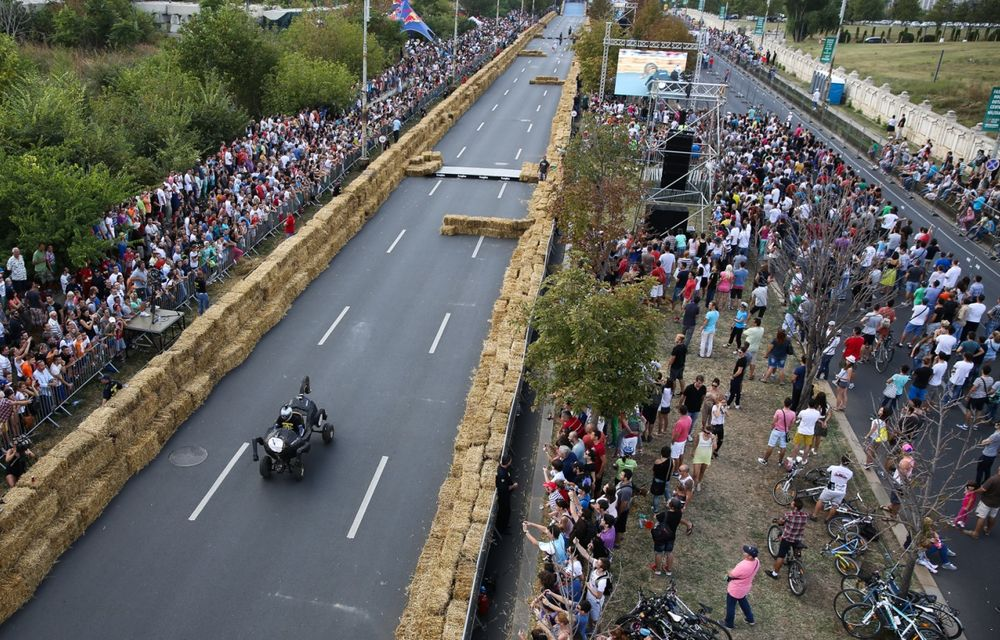 Red Bull Soapbox Race 2014: 51 de echipaje trăznite au luat startul în cursa automobilelor propulsate de gravitaţie - Poza 20