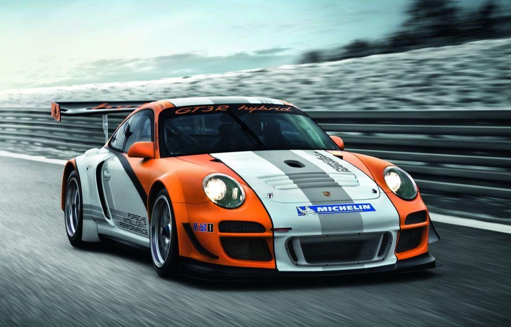 Porsche infirmă posibilitatea unor versiuni hibride ale lui 911 şi Macan - Poza 1