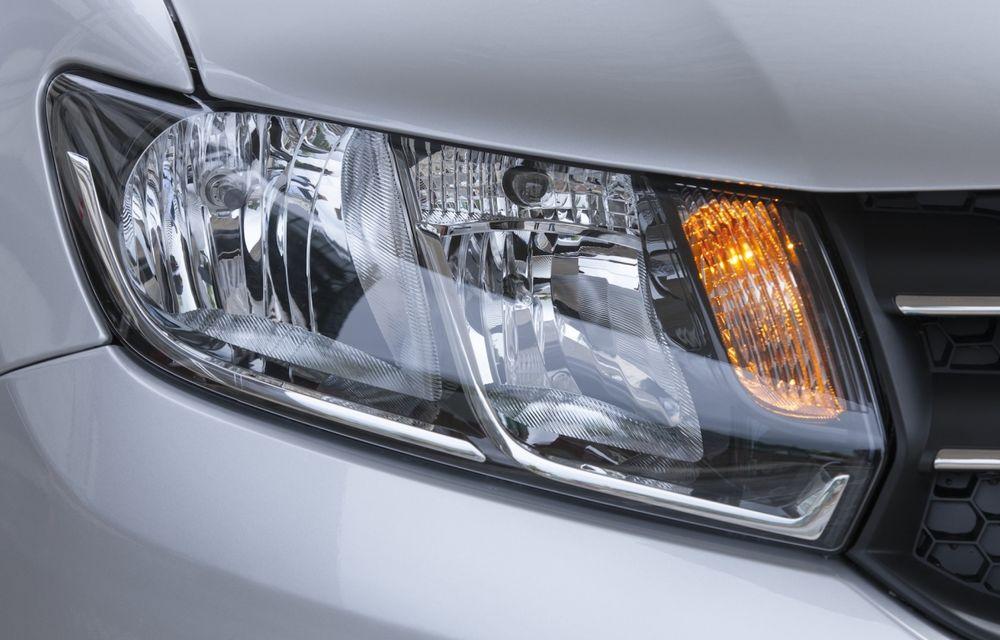 Dacia Logan 10 Ani este premiul cel mare al tombolei organizate la Târgul Gaudeamus 2014 - Poza 5