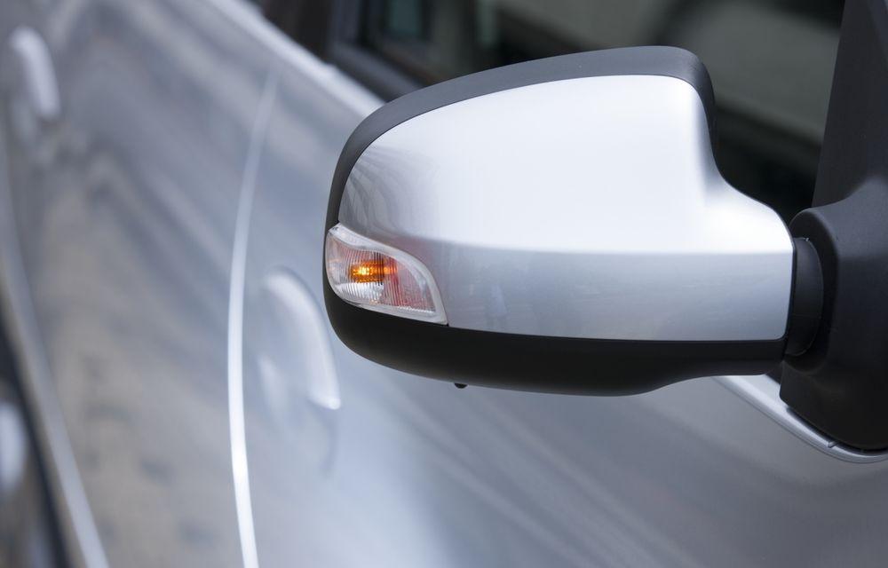 Dacia Logan 10 Ani este premiul cel mare al tombolei organizate la Târgul Gaudeamus 2014 - Poza 10