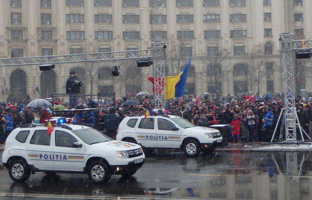 Dacia Duster Army şi Duster Pick-up Army, surprizele paradei de 1 Decembrie - Poza 2