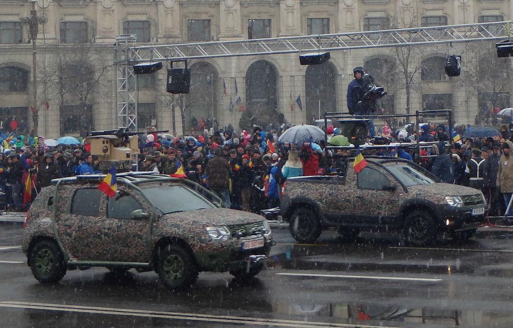 Dacia Duster Army şi Duster Pick-up Army, surprizele paradei de 1 Decembrie - Poza 1