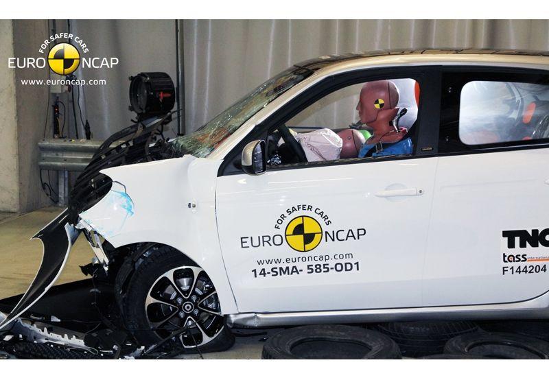 Noi rezultate EuroNCAP: Passat și Mondeo primesc cinci stele, însă Mini, Smart și Opel Corsa reușesc doar patru - Poza 35