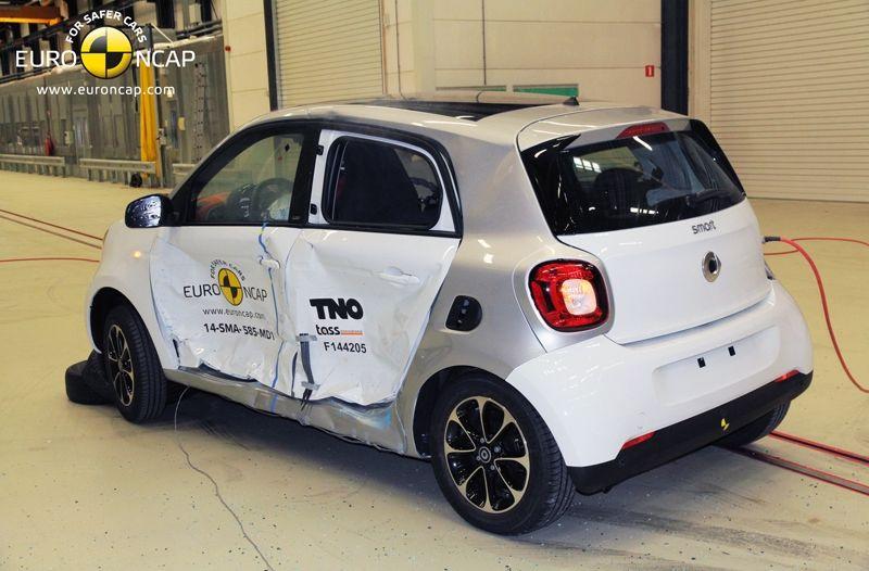 Noi rezultate EuroNCAP: Passat și Mondeo primesc cinci stele, însă Mini, Smart și Opel Corsa reușesc doar patru - Poza 38