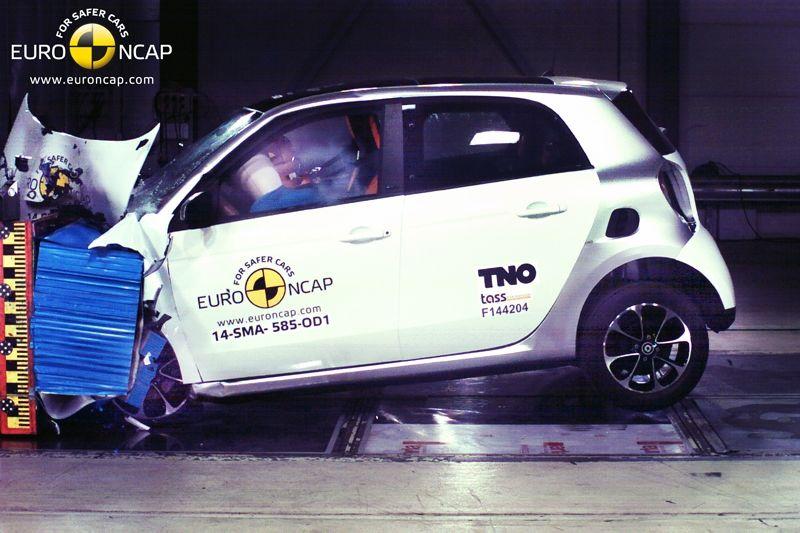 Noi rezultate EuroNCAP: Passat și Mondeo primesc cinci stele, însă Mini, Smart și Opel Corsa reușesc doar patru - Poza 34