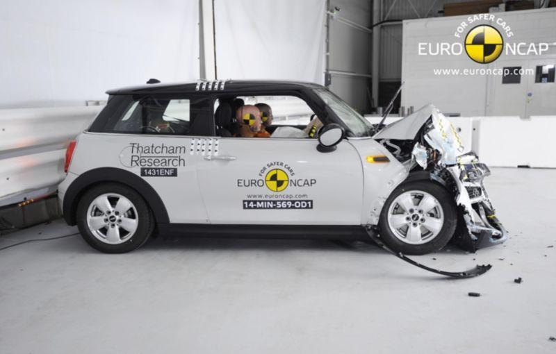 Noi rezultate EuroNCAP: Passat și Mondeo primesc cinci stele, însă Mini, Smart și Opel Corsa reușesc doar patru - Poza 44
