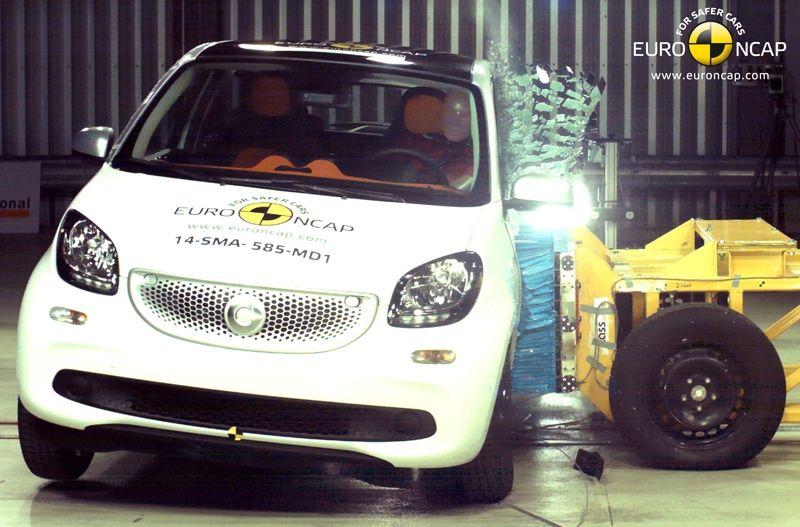 Noi rezultate EuroNCAP: Passat și Mondeo primesc cinci stele, însă Mini, Smart și Opel Corsa reușesc doar patru - Poza 37