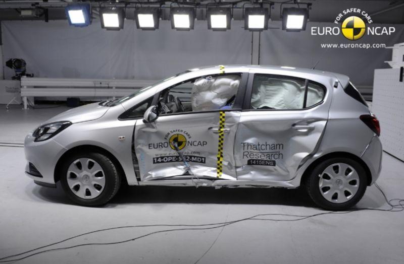 Noi rezultate EuroNCAP: Passat și Mondeo primesc cinci stele, însă Mini, Smart și Opel Corsa reușesc doar patru - Poza 31
