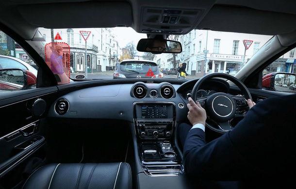 """Jaguar şi Land Rover au inventat """"montanţii transparenţi"""", care îmbunătăţesc vizibilitatea - Poza 1"""