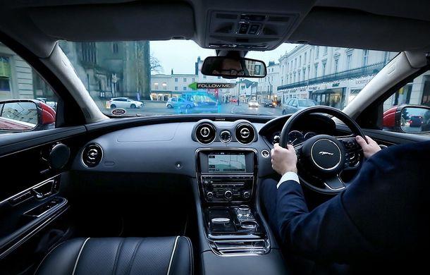"""Jaguar şi Land Rover au inventat """"montanţii transparenţi"""", care îmbunătăţesc vizibilitatea - Poza 3"""