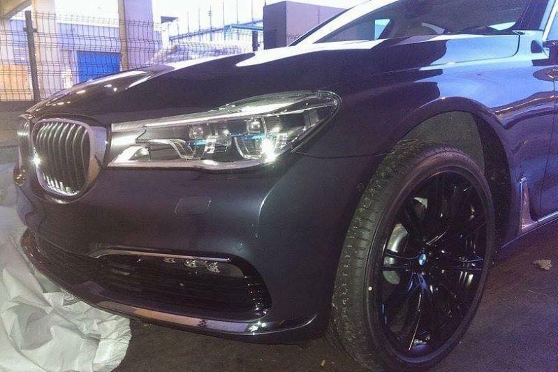 Cadoul începutului de an: primele imagini cu noua generație BMW Seria 7 - Poza 3
