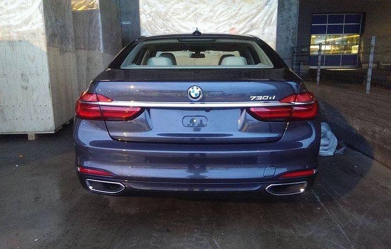 Cadoul începutului de an: primele imagini cu noua generație BMW Seria 7 - Poza 1