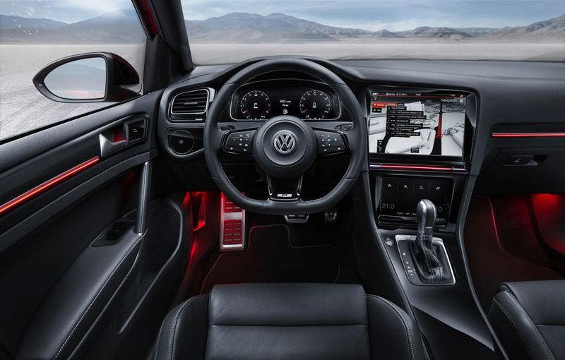 Volkswagen Golf R Touch: conceptul care face trecerea de la butoanele conservatoare la ecranele digitale - Poza 1