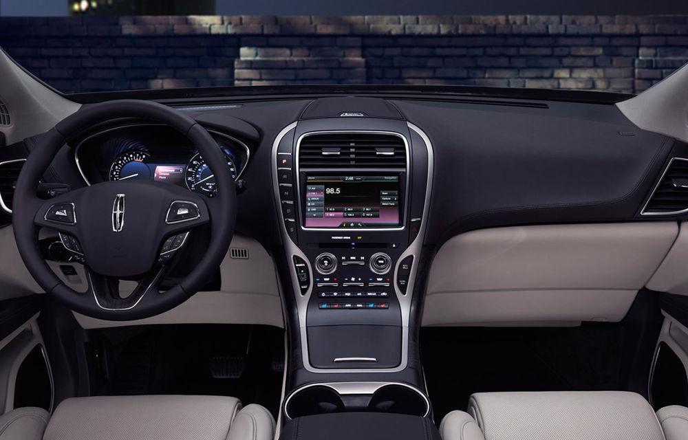 Lincoln MKX - primele imagini cu noua generație a SUV-ului american premium - Poza 12