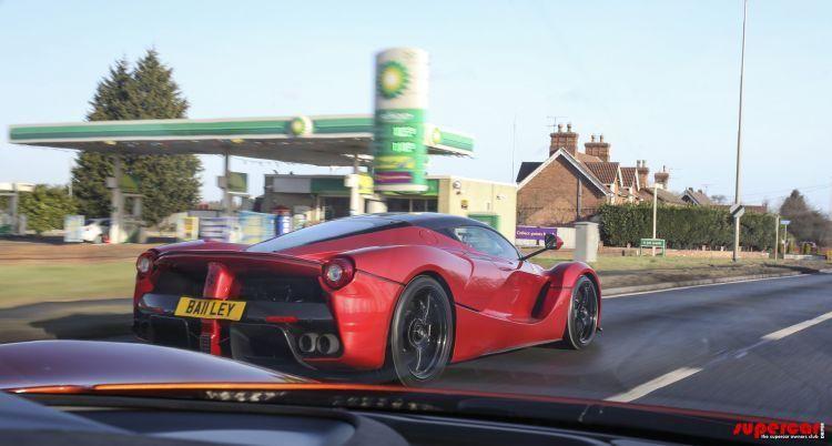 Un englez deţine cele trei supercaruri ale momentului: McLaren P1, Ferrari LaFerrari şi Porsche 918 Spyder - Poza 6