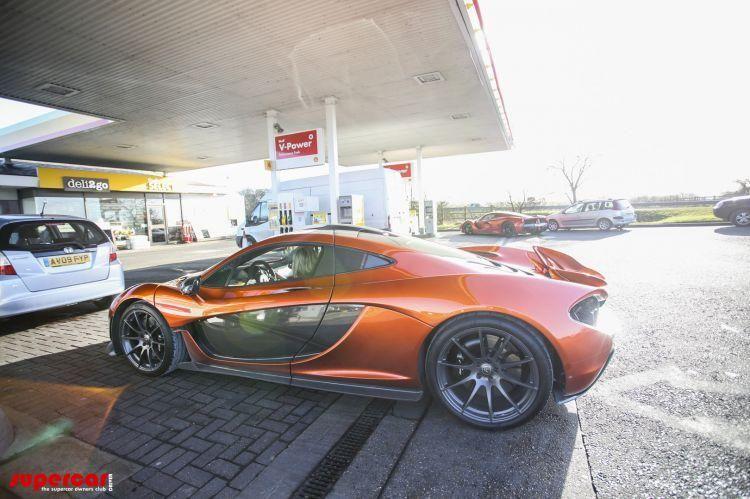 Un englez deţine cele trei supercaruri ale momentului: McLaren P1, Ferrari LaFerrari şi Porsche 918 Spyder - Poza 4
