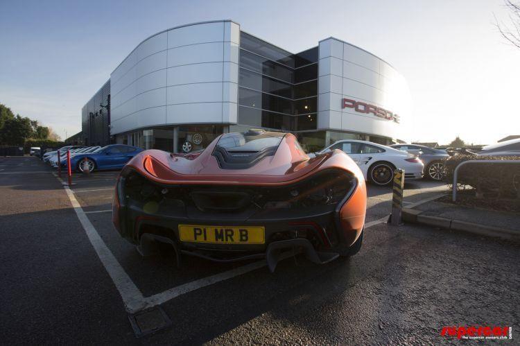 Un englez deţine cele trei supercaruri ale momentului: McLaren P1, Ferrari LaFerrari şi Porsche 918 Spyder - Poza 7