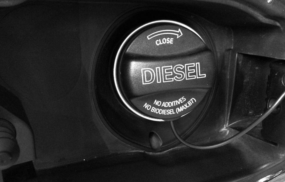 Franţa: Guvernul vrea să le dea până la 10.000 de euro celor care schimbă diesel-ul cu o maşină electrică - Poza 1