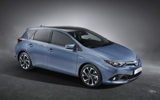 Toyota Auris facelift: modificări cosmetice şi motorizări îmbunătăţite