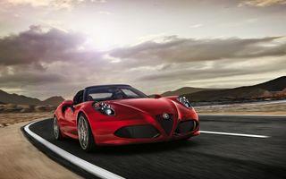 Alfa Romeo 4C Spider îşi face luna viitoare debutul european în varianta de serie