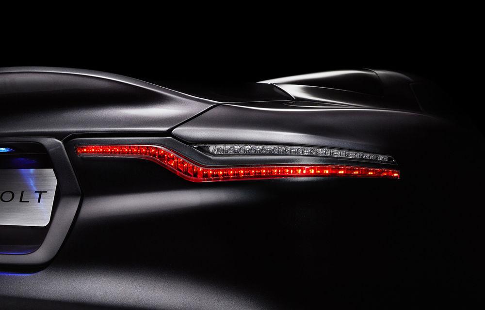 Henrik Fisker a creat conceptul Thunderbolt, un supercar bazat pe modelul Aston Martin Vanquish - Poza 8
