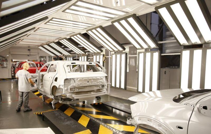 PSA Peugeot-Citroen măreşte producţia cu 10% pentru a răspunde cererii din Europa - Poza 1