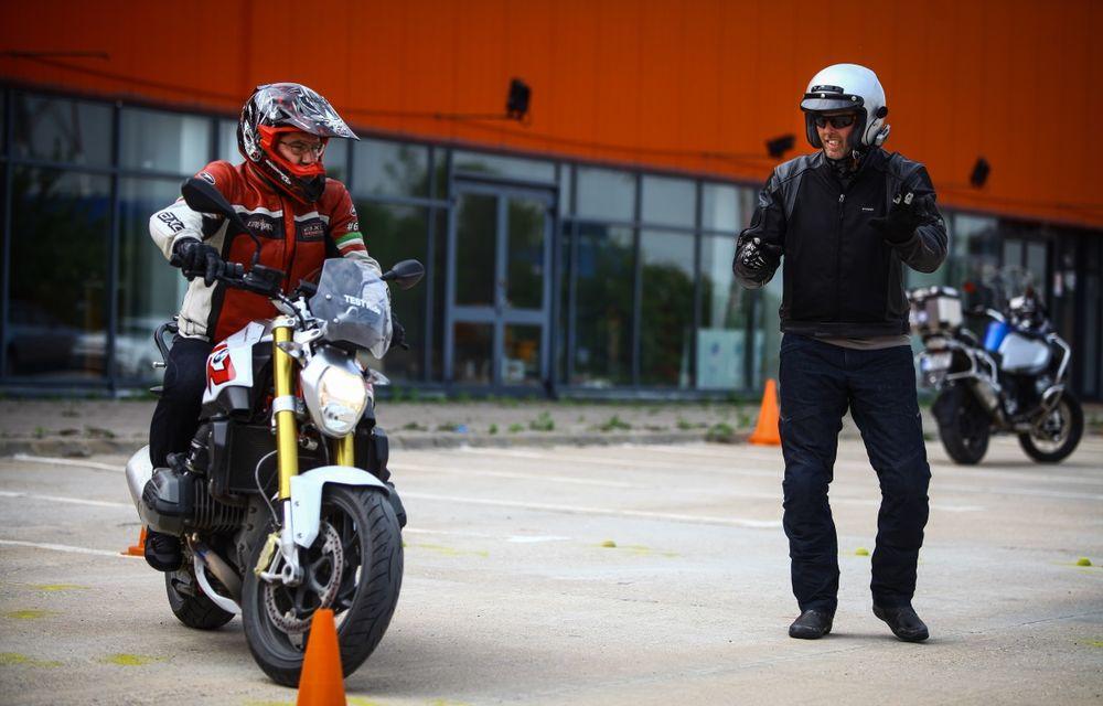La şcoală pe două roţi: de ce ai nevoie de un curs de conducere defensivă după ce-ţi iei permisul moto - Poza 22