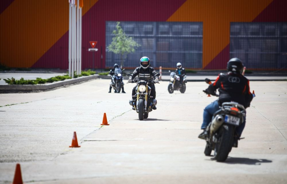 La şcoală pe două roţi: de ce ai nevoie de un curs de conducere defensivă după ce-ţi iei permisul moto - Poza 3
