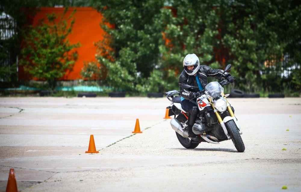 La şcoală pe două roţi: de ce ai nevoie de un curs de conducere defensivă după ce-ţi iei permisul moto - Poza 12
