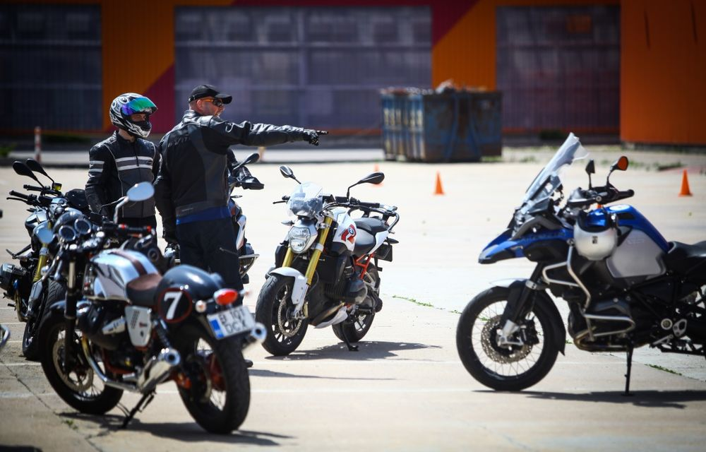 La şcoală pe două roţi: de ce ai nevoie de un curs de conducere defensivă după ce-ţi iei permisul moto - Poza 6