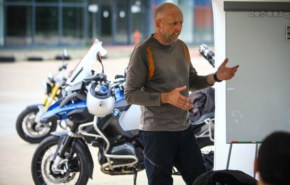 La şcoală pe două roţi: de ce ai nevoie de un curs de conducere defensivă după ce-ţi iei permisul moto - Poza 14